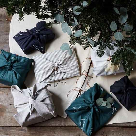 Poklon upakovan u tekstil